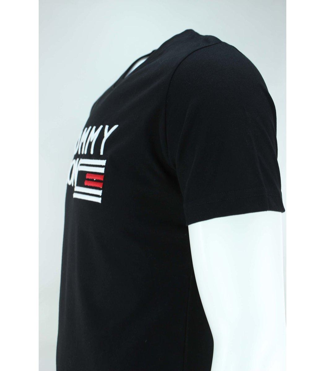 Чёрная футболка Tommy Hilfiger с вышивкой FT2